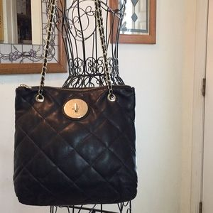 DKNY  chain shoulder bag leather used